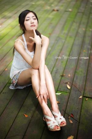 Beautyleg-modelex-Emily.jpg