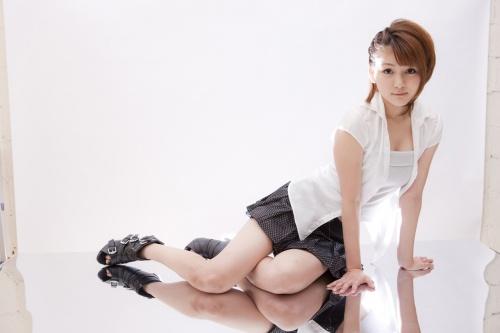 Hello-Project-Digital-Books-87-Aika-Mitsui.jpg