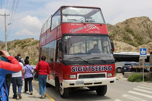 ボリビア・ペルー旅行:月の谷 2階建てバス