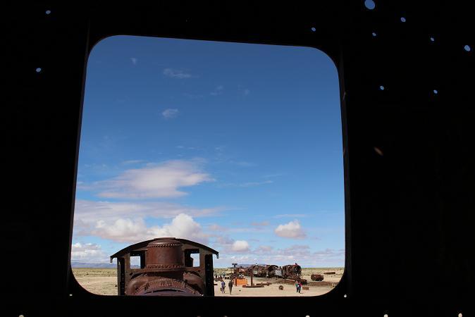 ボリビア・ペルー旅行:列車の墓場 窓