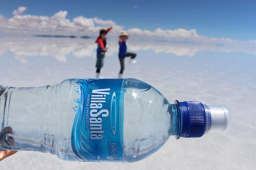 ボリビア・ペルー旅行:ウユニ塩湖 ペットボトル
