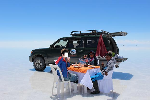 ボリビア・ペルー旅行:ウユニ塩湖 昼食2