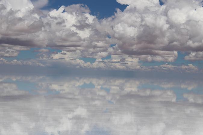 ボリビア・ペルー旅行:ウユニ塩湖 鏡張り 雲
