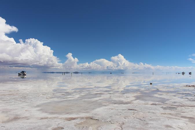 ボリビア・ペルー旅行:ウユニ塩湖 塩の建物 周囲