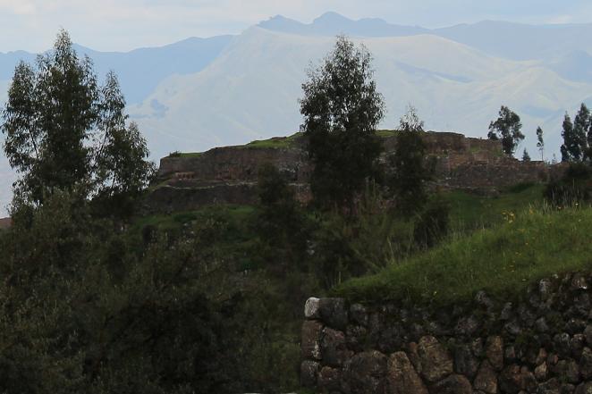 ボリビア・ペルー旅行:クスコ タンボマチャイ 赤の城塞