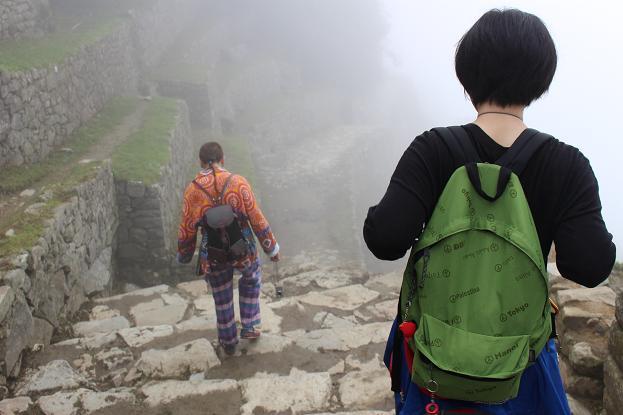 ボリビア・ペルー旅行:太陽の門 白人