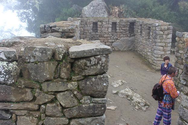 ボリビア・ペルー旅行:太陽の門 白人 中国人