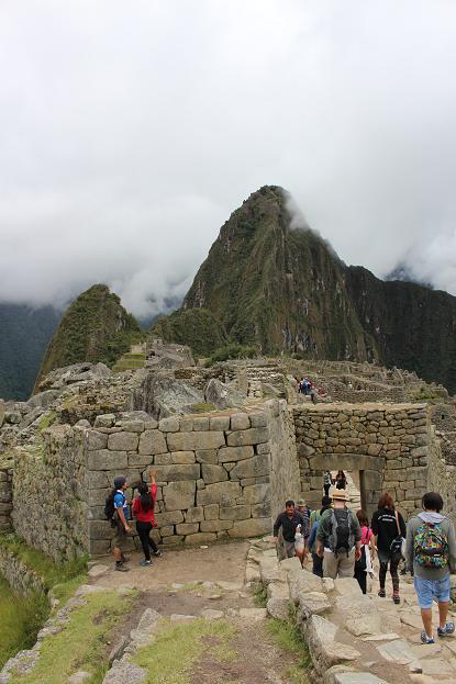 ボリビア・ペルー旅行:マチュピチュ遺跡 市街地への門