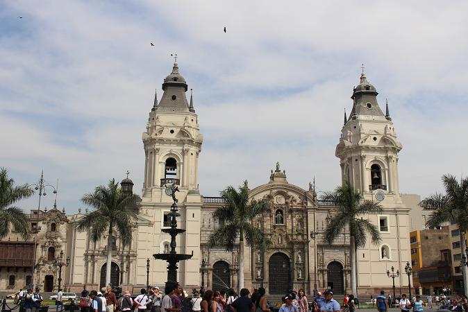 ボリビア・ペルー旅行:リマ 市内観光 カテドラル