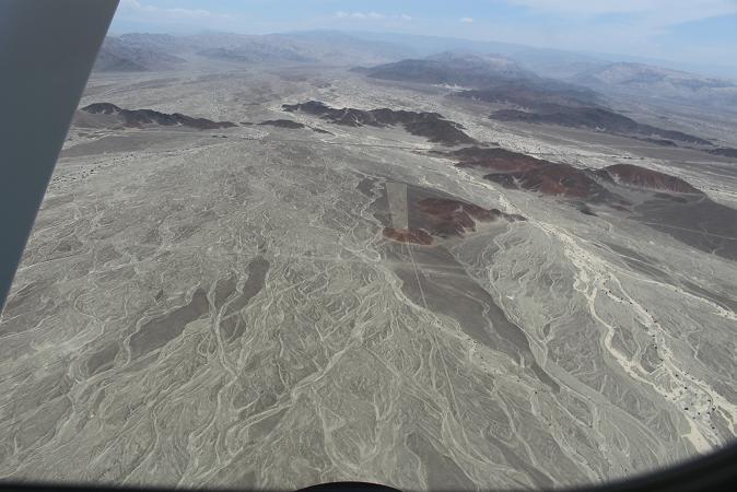 ボリビア・ペルー旅行:ナスカの地上絵 四角