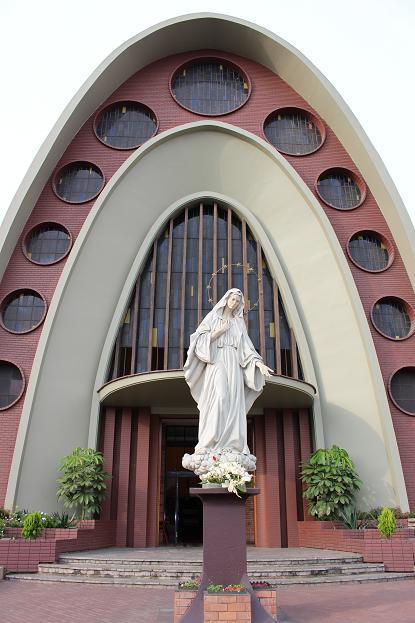 ボリビア・ペルー旅行:リマ サン・イシドロ 教会