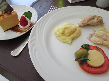 南米旅行:ノボテルリマ 昼食2