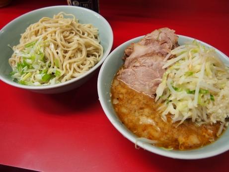 140705_中山駅前_小ラーメン豚入り_つけ麺_ヤサイニンニク