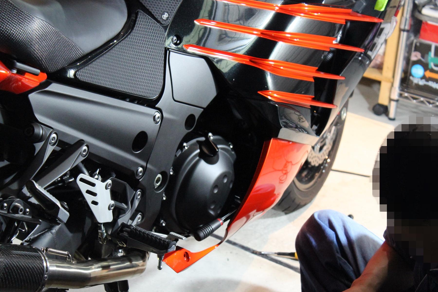 Baby Face ZX-14Rエンジンスライダー&フレームスライダー