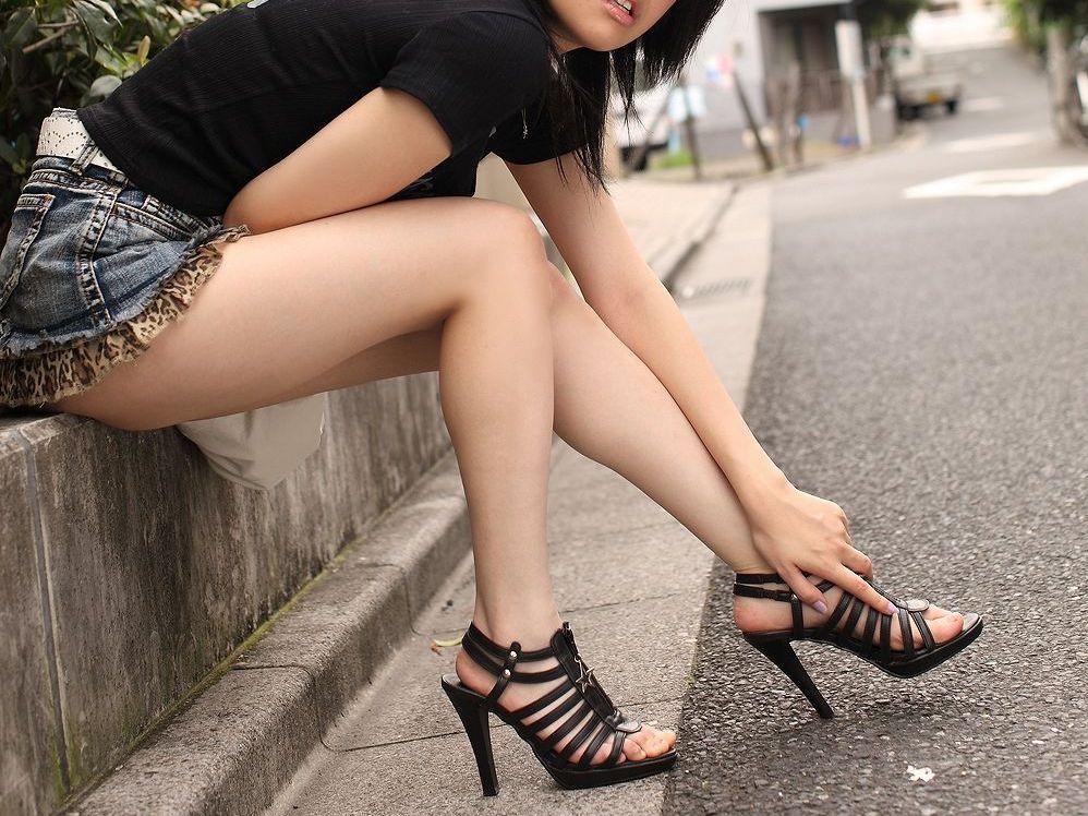 脚触りたい2
