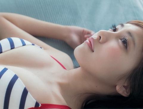 佐野ひなこ制服グラビア水着画像4
