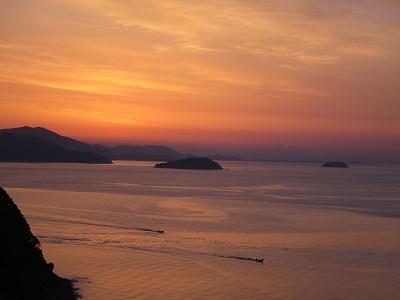 播磨灘の朝焼け