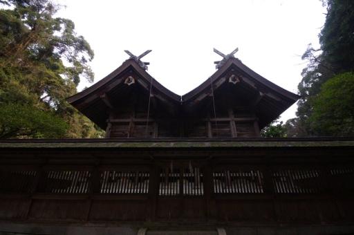 後ろから見た美保神社の御本殿