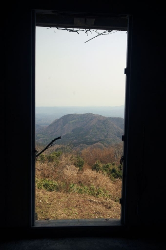 廃墟から見た仙ノ山