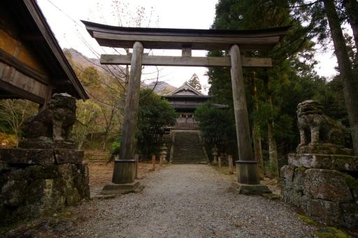佐毘売山神社の拝殿