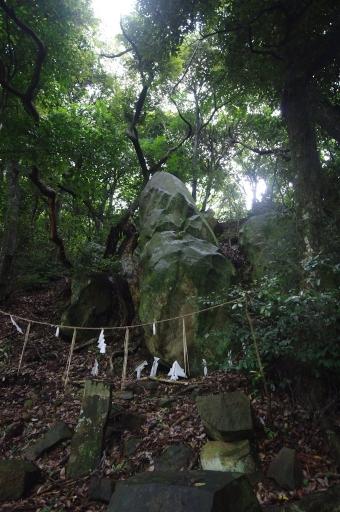 恵曇神社の磐座