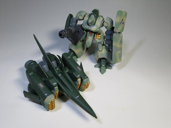 ズサ重装型とリサイクルジェガン05