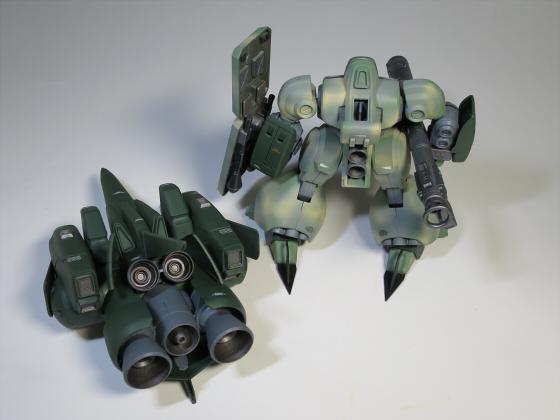 ズサ重装型とリサイクルジェガン06