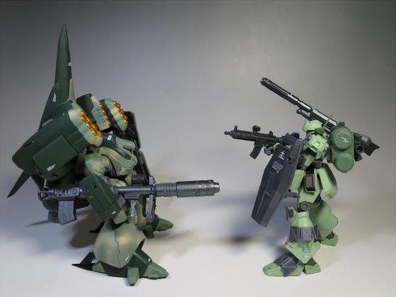 ズサ重装型とリサイクルジェガン08