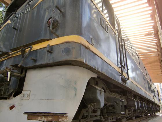 EH1061電気機関車-11