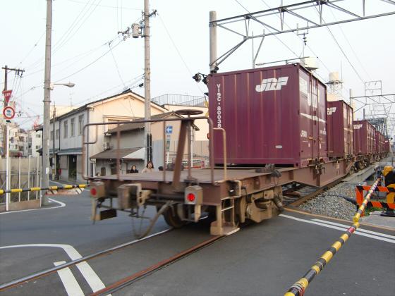 蒲生の踏切で城東貨物17