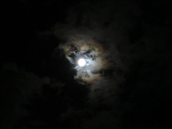 スーパームーンで月光虹?01