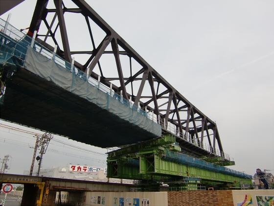 城東貨物と工事中の橋04