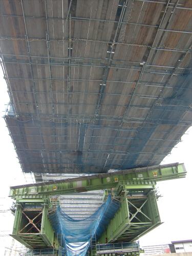 城東貨物と工事中の橋05