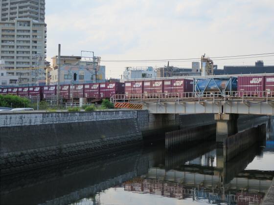 城東貨物と工事中の橋20