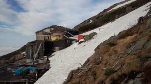 石室山荘の雪かき