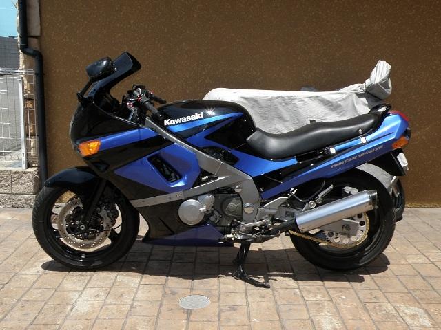 ZZR400439.jpg