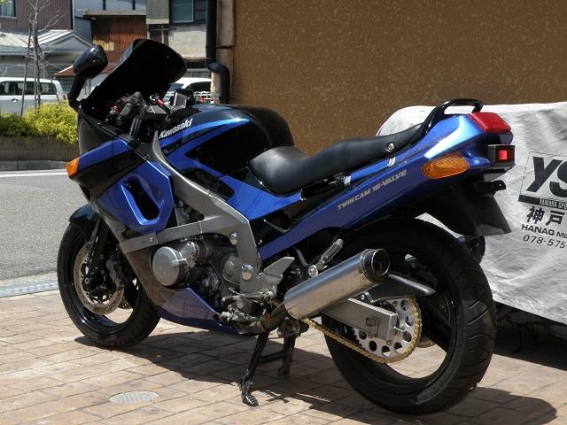 ZZR400441.jpg