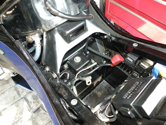 ZZR400446.jpg