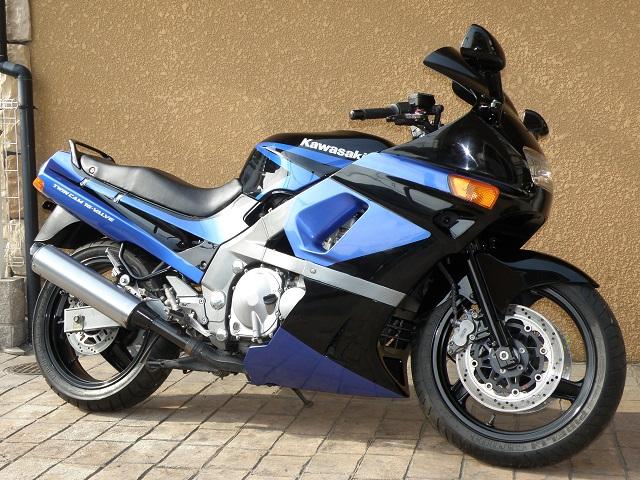 ZZR400450.jpg