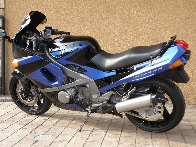 ZZR400451.jpg