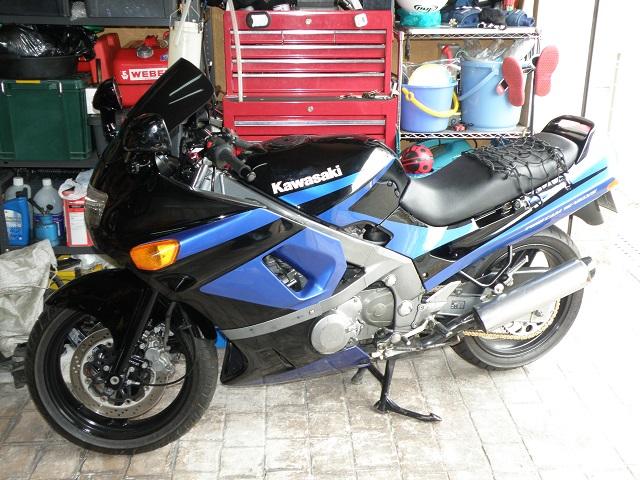ZZR400455.jpg