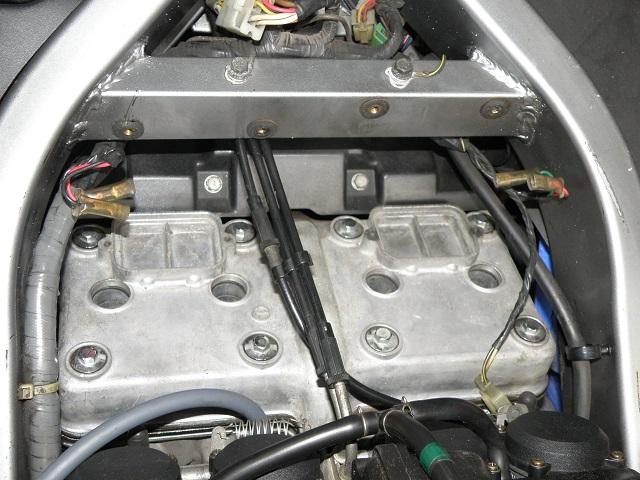 ZZR400457.jpg