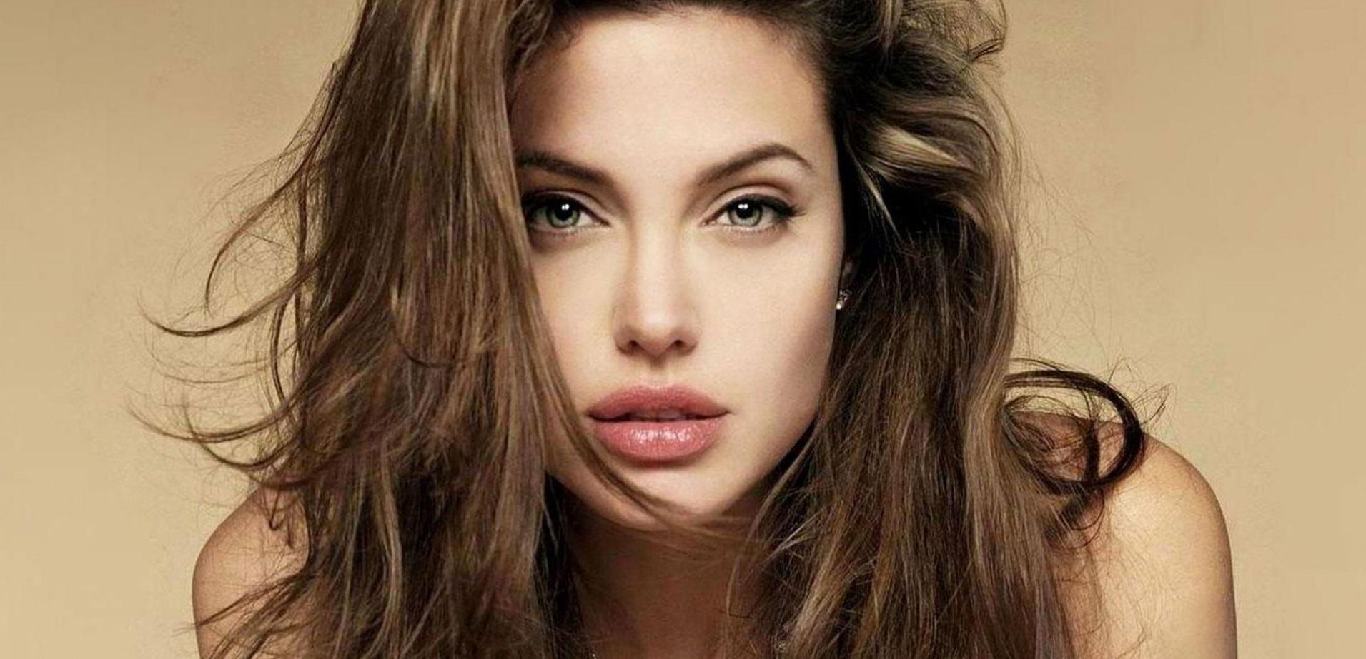 Angelina-Jolie_20140314010757c3f.jpg