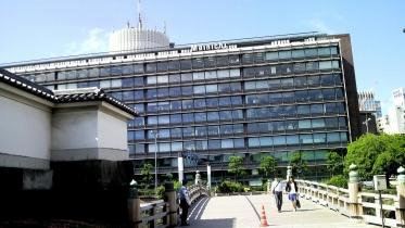 竹橋平川門1-13