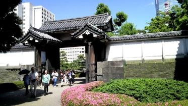 竹橋平川門1-14