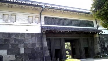 竹橋平川門1-17