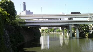 竹橋平川門1-22