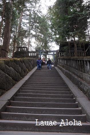 奥宮へとつづく階段
