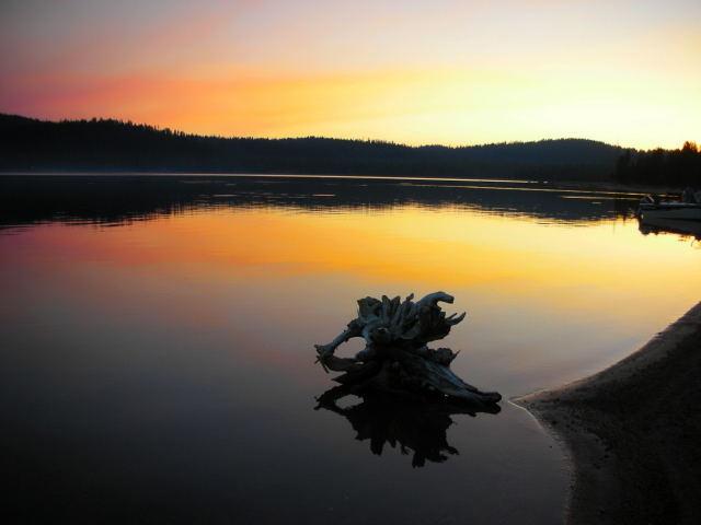 メディスンレイクの夜明け