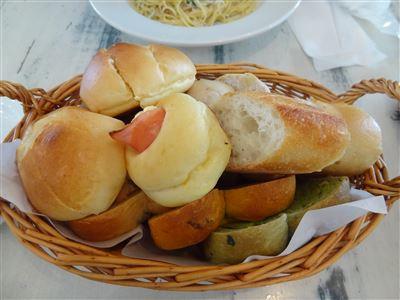 Bランチのパン